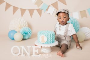 Turquoise and Tan Cake Smash Roodepoort